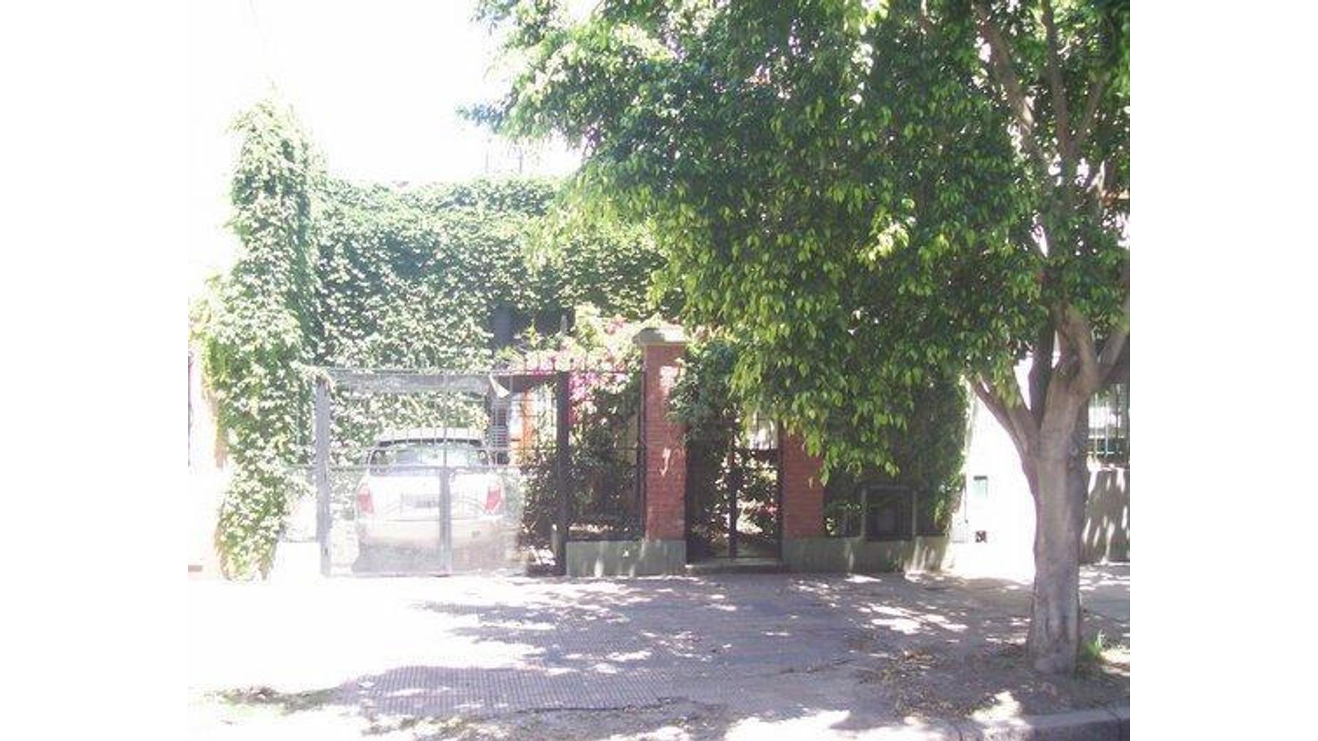 Llavallol 4700 - Excelente Lote para desarrollar en Villa De