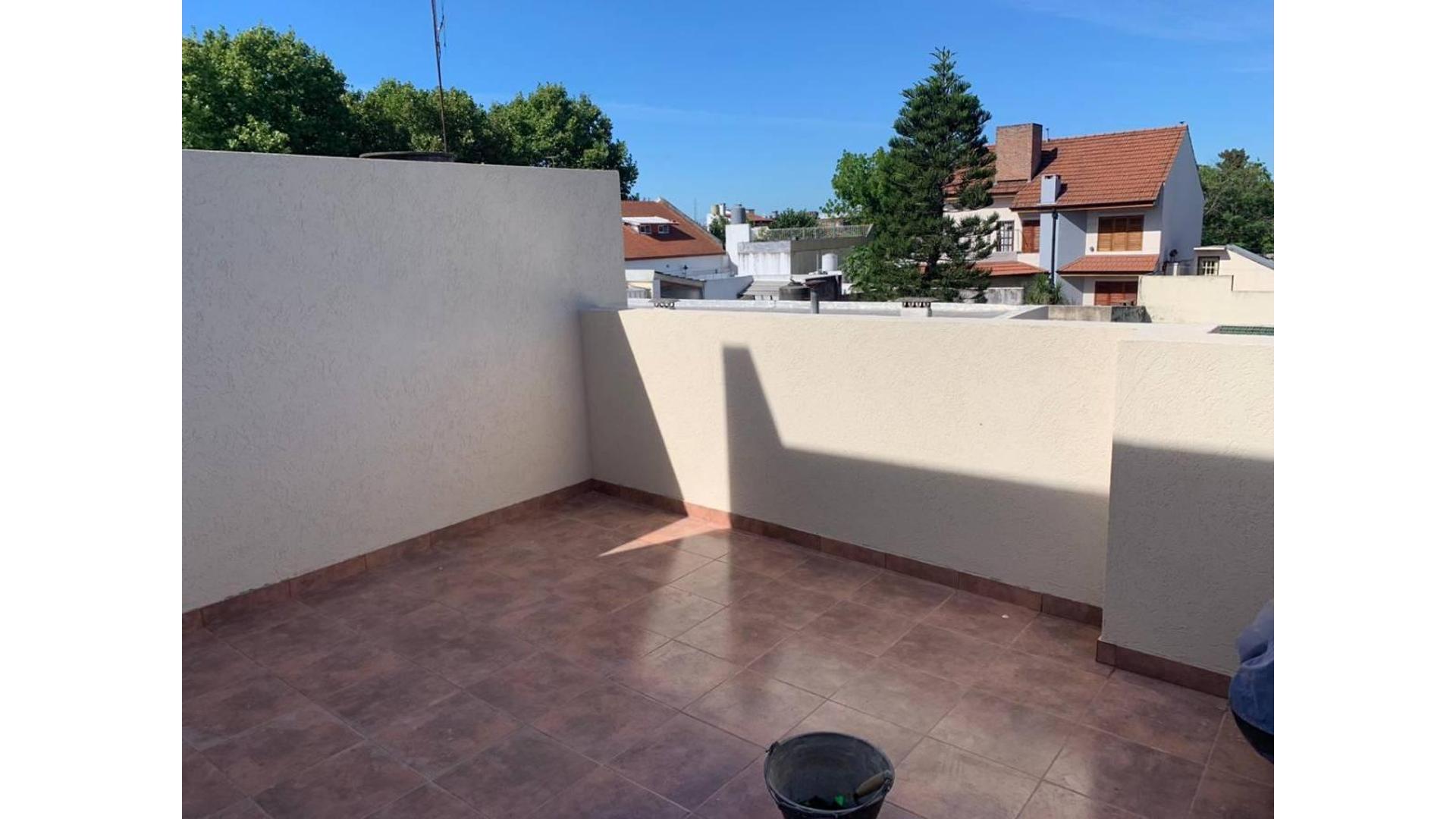 Moliere 2662 - PH 3 Amb con terraza propia sin expensas.